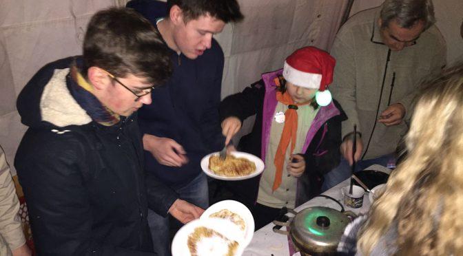 Weihnachtsbaum-Aufstellen in Ittenbach